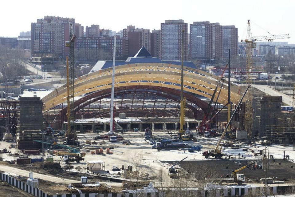 Строительство арены идет полным ходом.