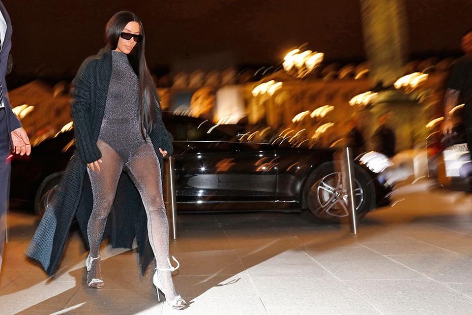 Ким Кардашьян - любительница откровенных нарядов.