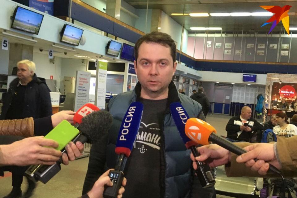 Врио губернатора Мурманской области Андрей Чибис возглавил оперативный штаб по ЧП с самолетом.