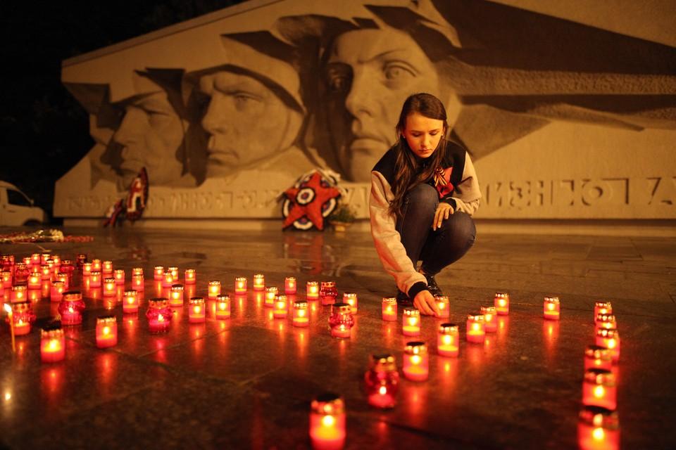Во многих городах России есть памятники неизвестным солдатам, павшим в Великой Отечественной войне.