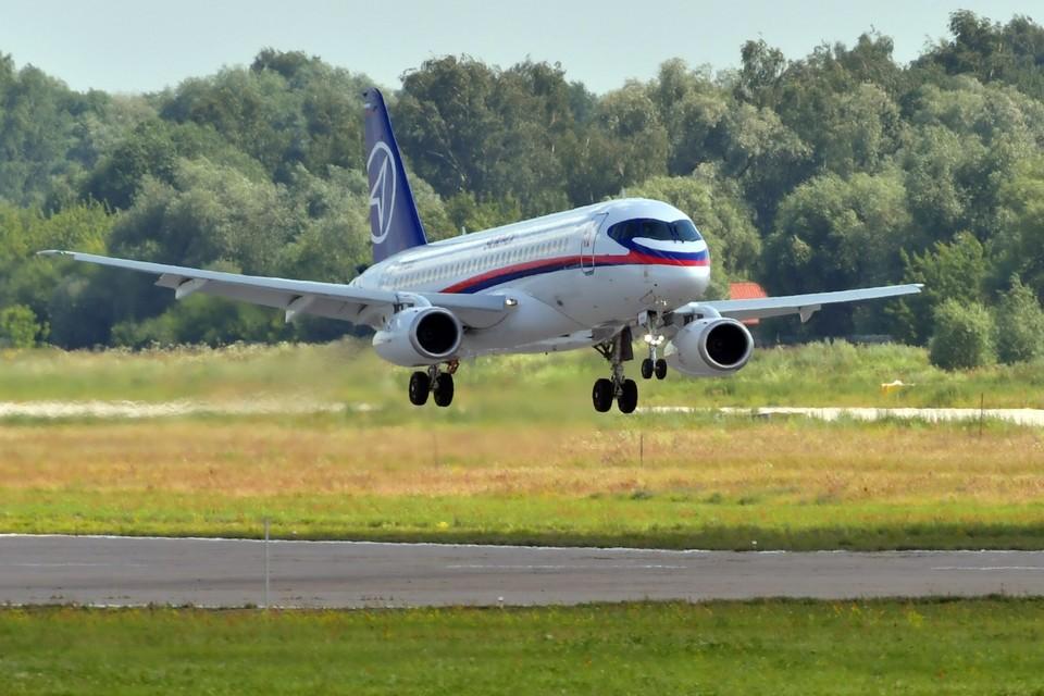 Самолет Сухой SuperJet 100-95.