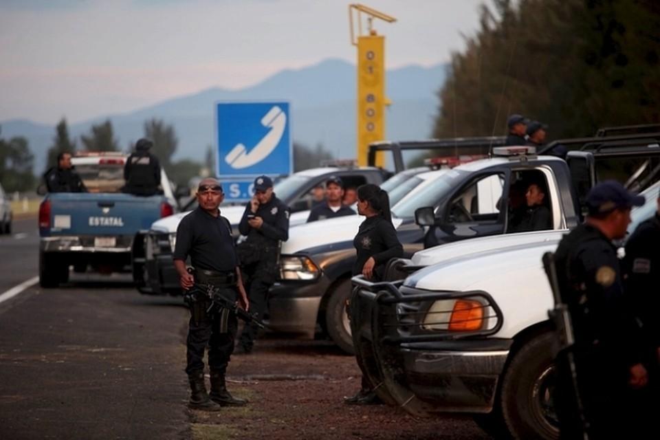 По данным национальной комиссии по правам человека, с 2000 года в Мексике были убиты более 140 журналистов