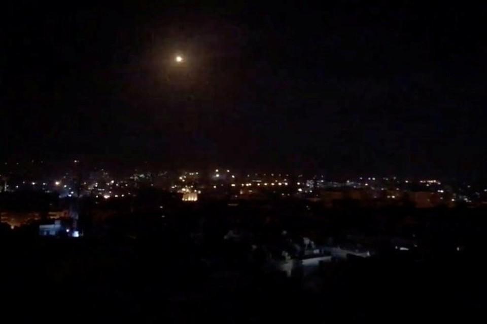 Сирийским зенитчикам снова пришлось отражать ракетный удар