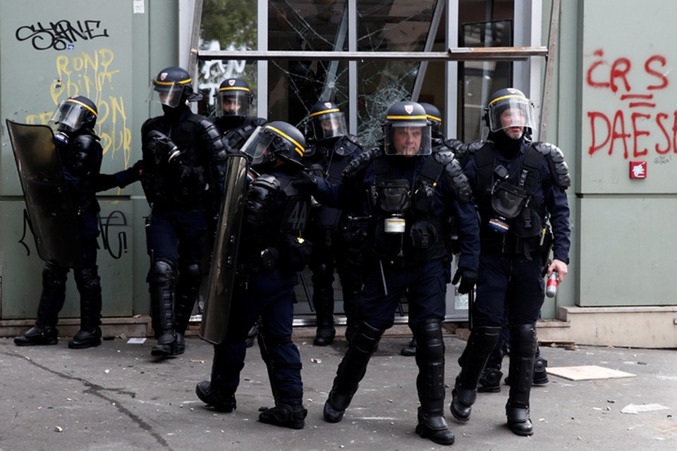 Елена Чудинова: Сегодня бунтующие мигранты блокируют аэропорт «Шарль-де-Голль». А что они сделают завтра?