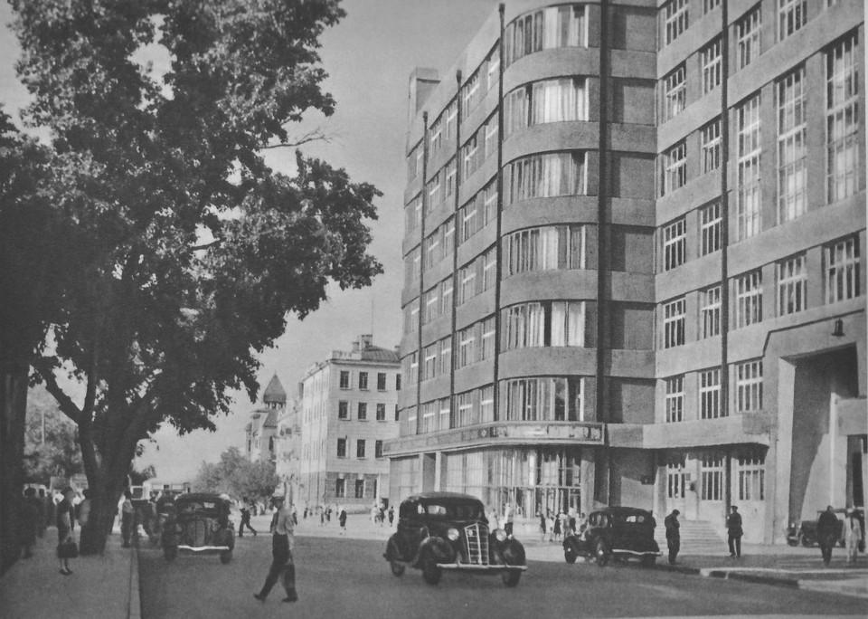 Дом промышленности на улице Куйбышева. Умирающий гигант эпохи конструктивизма