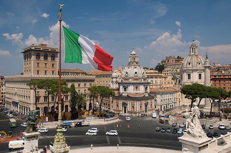 В Италии замминистра транспорта осудили за коррупцию
