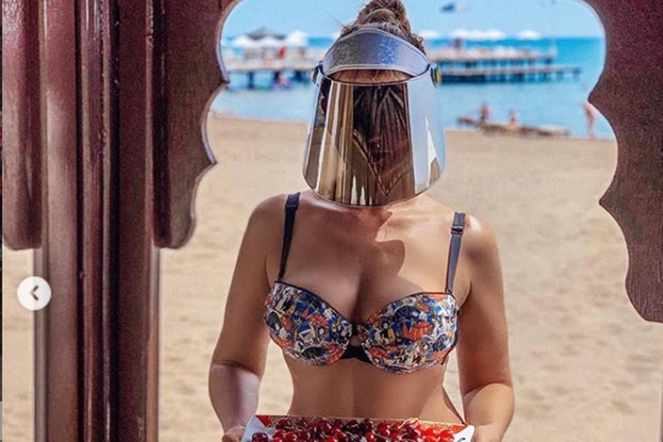 Анфиса Чехова удивила турецкий пляж необычным видом. Фото: Инстаграм.