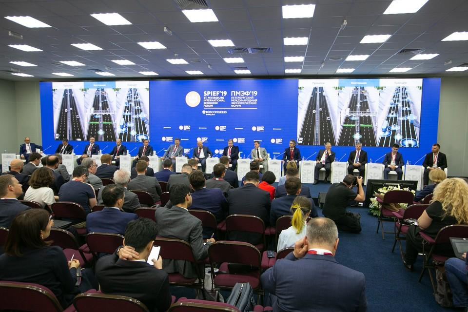 Презентация беспилотного грузовика на ПМЭФ 2019. Фото: Пресс-служба Минтранса России