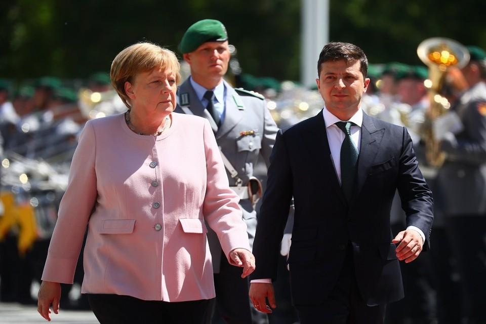 Канцлер ФРГ Ангела Меркель и президент Украины Владимир Зеленский в ходе встречи в Берлине