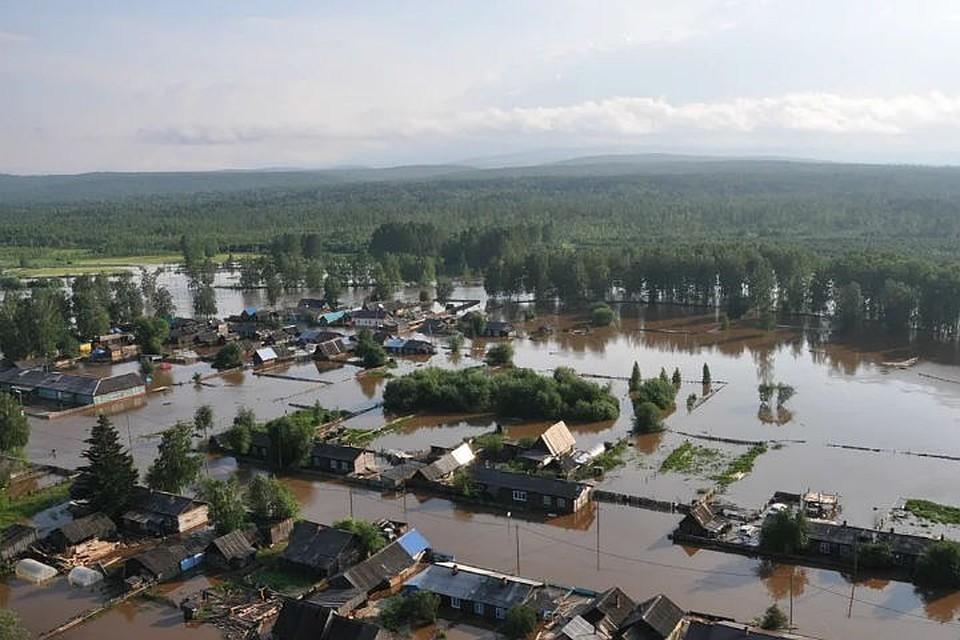 Наводнение в Иркутской области: под водой оказались более 2 тысяч домов, эвакуировано более 800 человек. Фото: ГУ МЧС России по Иркутской области.