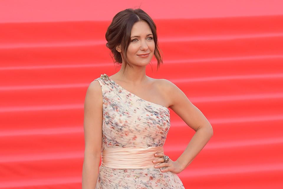 В минувшую пятницу Екатерина Климова оформила развод с Гелой Месхи.