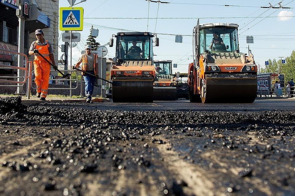 Ремонт дорог в Челябинске начался позже положенного срока. Фото: Валерий ЗВОНАРЕВ.