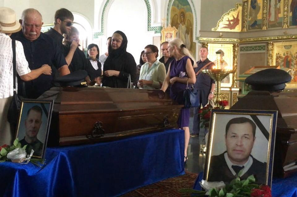 Авиакатастрофа Ан-24 в Бурятии: в Иркутске простились с погибшими летчиками