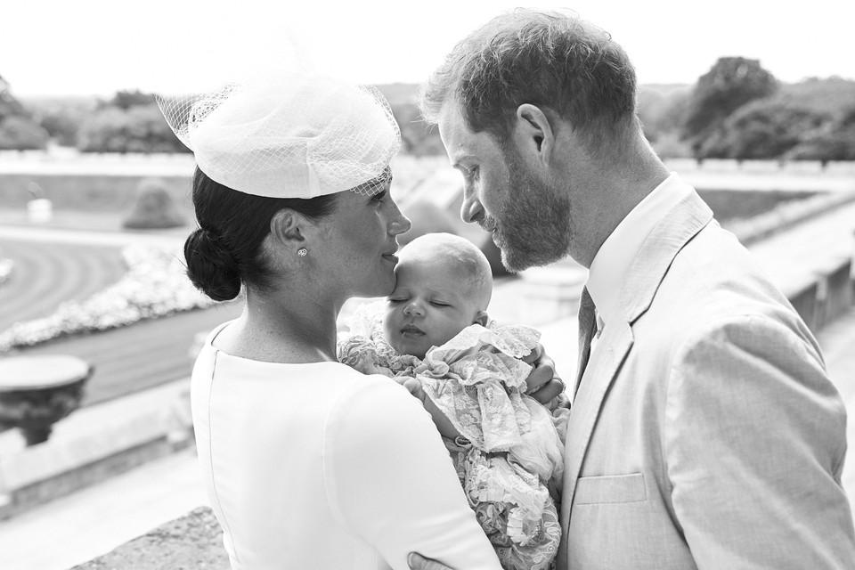 Меган Маркл и принц Гарри крестили маленького Арчи