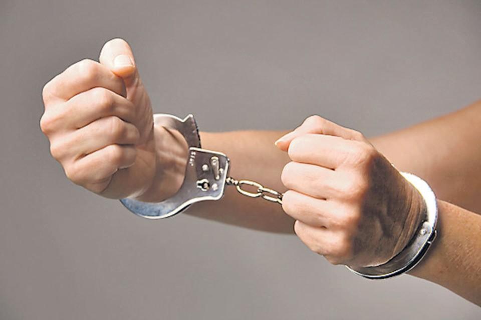 Подписанный президентом громкий Закон № 46 об уголовном наказании лиц, занимающих высшее положение в преступной иерархии, внес настоящий раскол в высшие эшелоны уголовного мира.