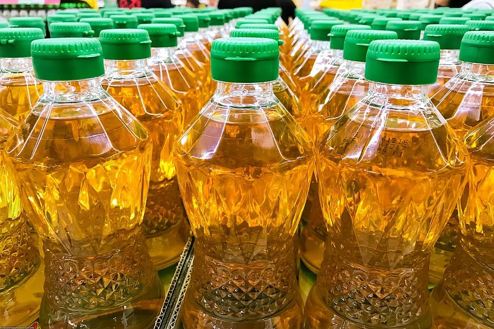 Cпрос на мировом рынке на пальмовое масло падает и в последнее время оно сильно дешевеет.