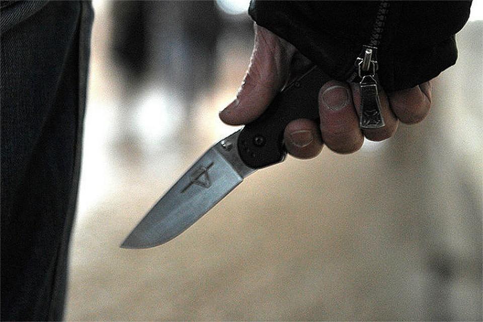 В Сургуте мужчина зарезал полицейского, который пытался его задержать
