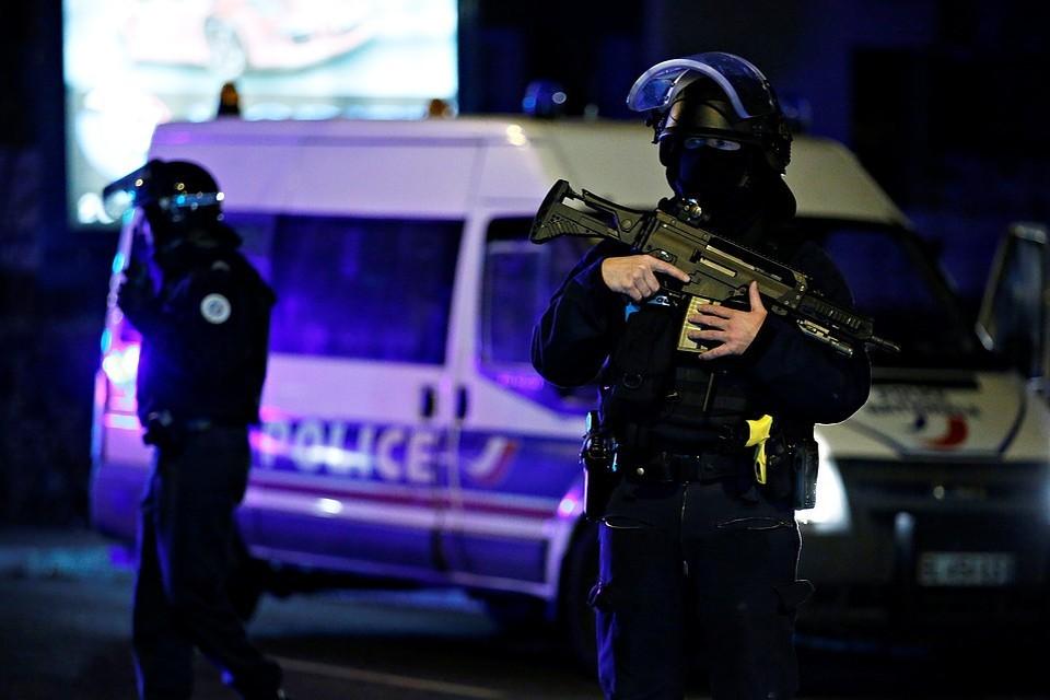 В пригороде Осло неизвестный открыл стрельбу в мечети