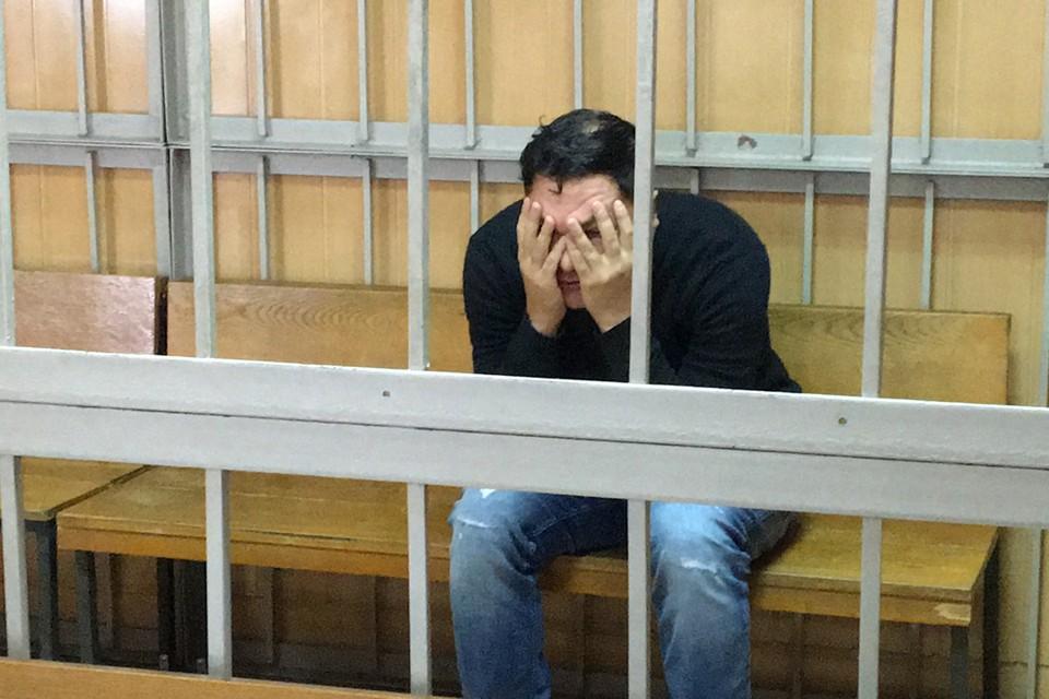 Когда Гареева привезли в суд, где решался вопрос о его аресте, больше всего он переживал, как выглядит.