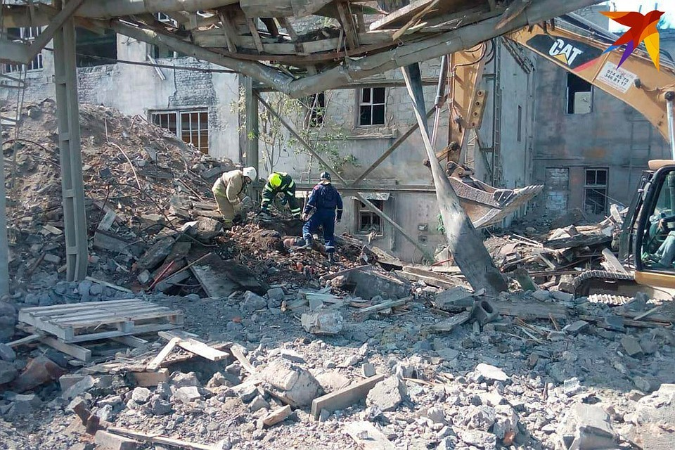 В Волхове Ленобласти обрушилось здание во время сноса