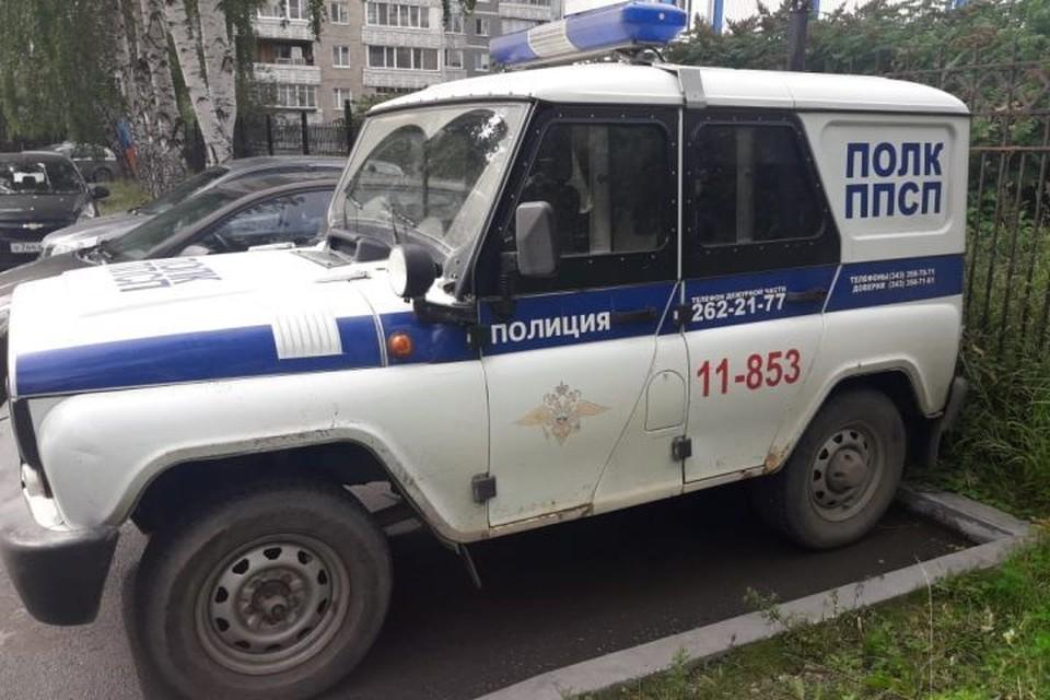 По данным следствия, изнасилование произошло прямо в служебной машине. Фото: СУ СКР по Свердловской области