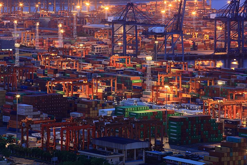 США грозятся поднять пошлины на большинство китайских товаров