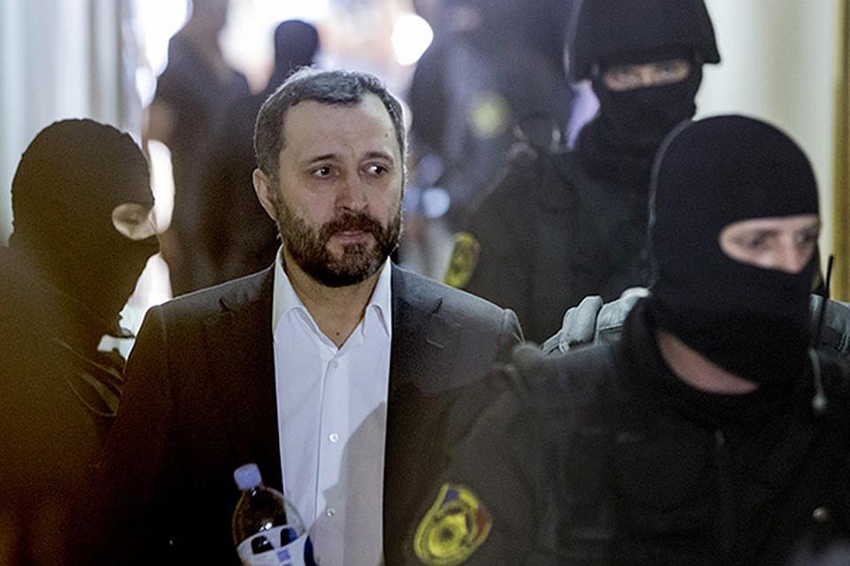 С поправкой на Филата: Стало известно, как в ближайшее время будут освобождать из тюрьмы экс-премьер-министра Молдовы
