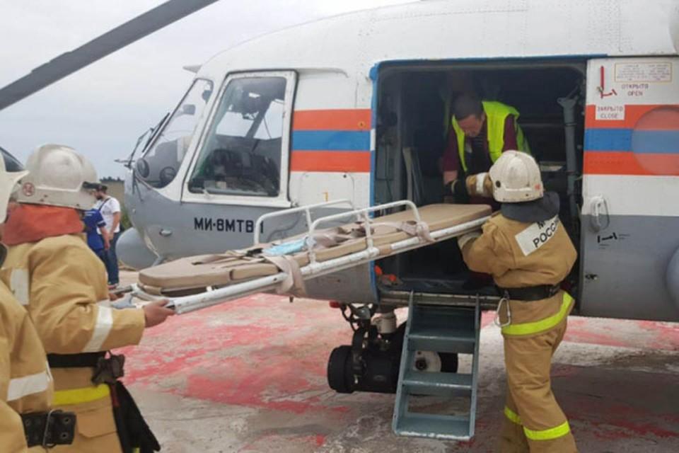 Вертолет санавиации МЧС вылетал на срочный вызов в Бежецкую ЦРБ Фото: ГУ МЧС России по Тверской области