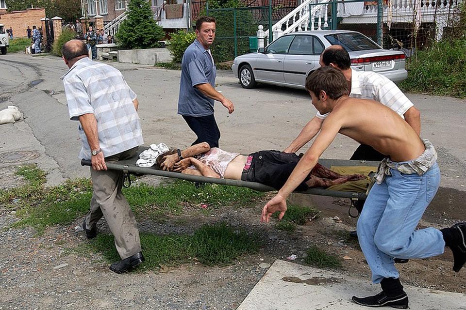 Вот и получается у нынешних «расследователей», что кровожадный спецназ сам сжег спортзал с заложниками из огнеметов