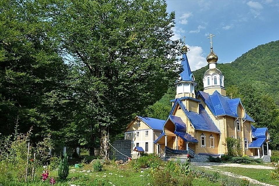 Храм в абхазском селе Псху