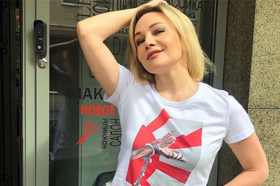 Татьяна Буланова по сей день не может разъехаться с Владиславом Радимовым