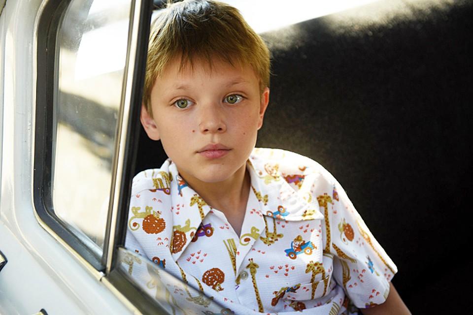 Прототип режиссера, мальчик Валера, как две капли воды похожий на Тодоровского в юности