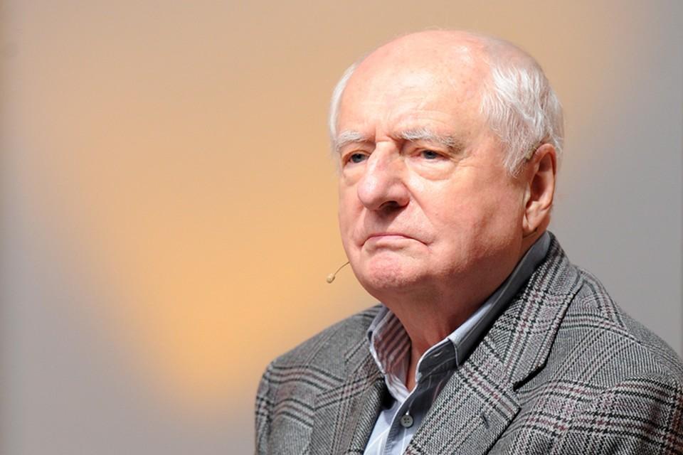 О режиссере Марке Захарове вспоминает Геннадий Хазанов.