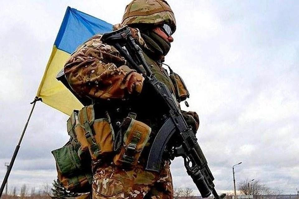 Военные покупают «отпуска» для вывоза из Донбасса оружия. Фото: ucoz.com