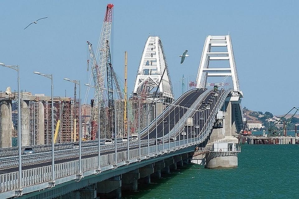 """Открытие ж/д части моста через Керченский пролив запланировано на декабря 2019 года. Фото: инфоцентр """"Крымский мост"""""""