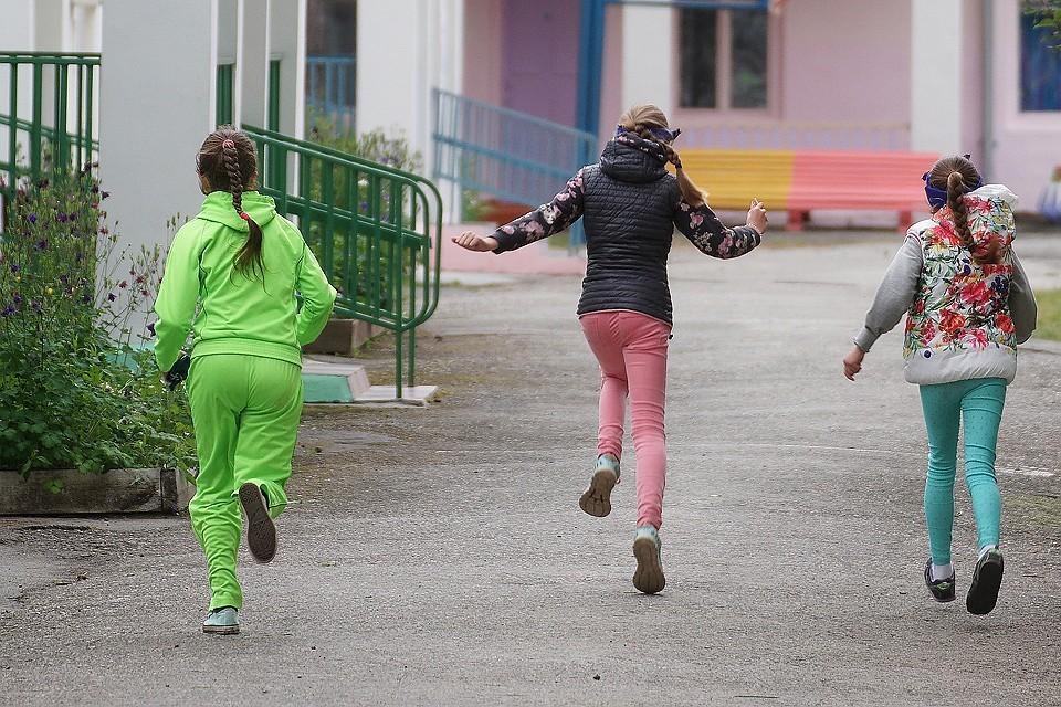 В российских лагерях и санаториях за три летних месяца побывало 5,7 миллиона детей.