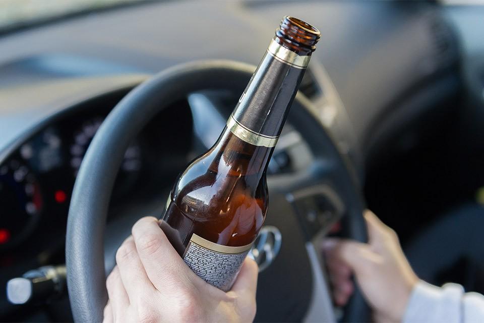 Для получения водительского удостоверения понадобится тест на биомаркер, который сигналит о хроническом алкоголизме.