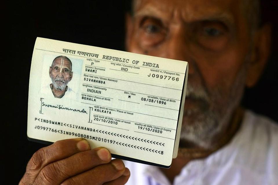 В Абу-Даби 123-летнего пассажира не хотели пускать на рейс, усомнившись в подлинности паспорта