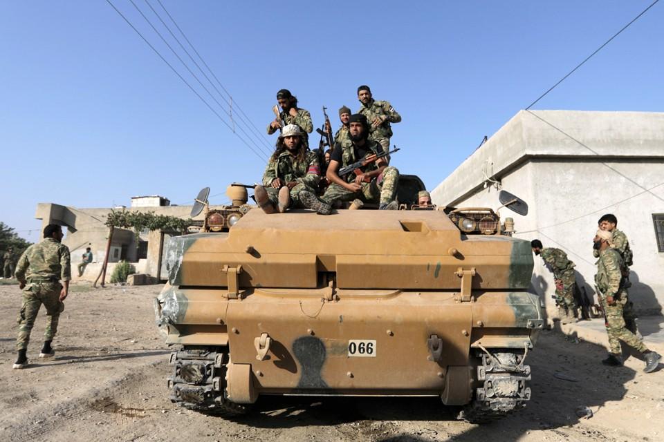 Турецкие войска начали операцию на границе Турции и Сирии