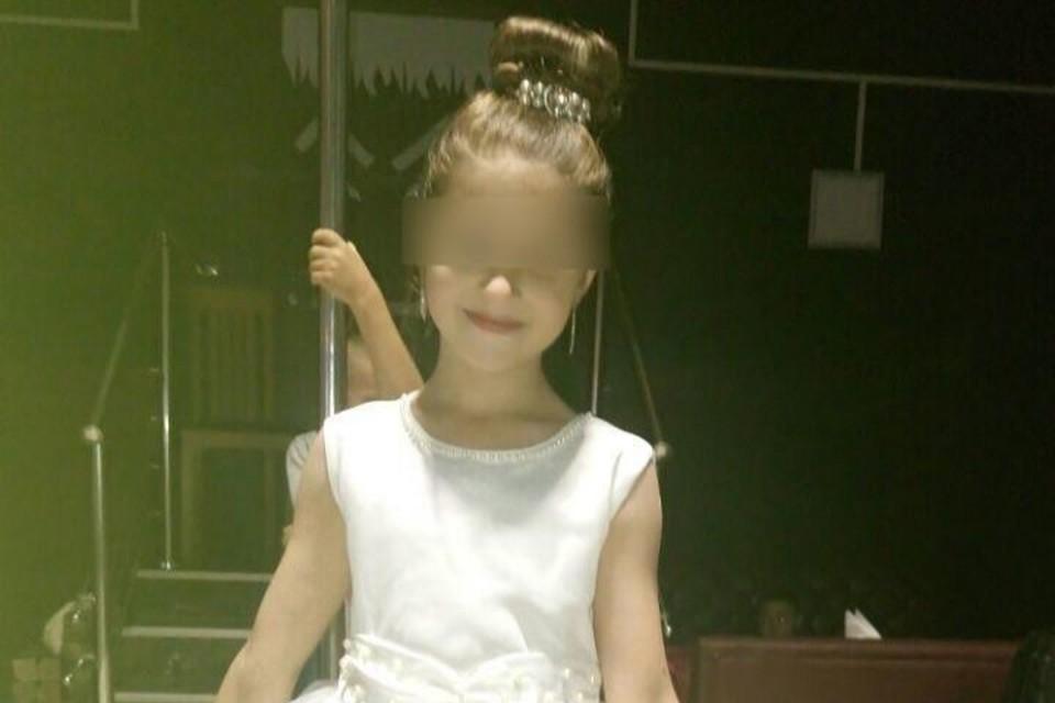 Девочка до сих пор находится в больнице с сотрясением мозга. Фото: личная страница мамы пострадавшей.