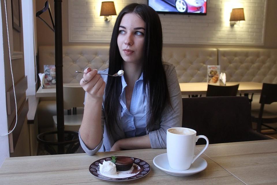 Всегда уточняйте объем напитка, потому что в некоторых кофейнях маленький капучино - 250 мл, а в других - 150 мл.