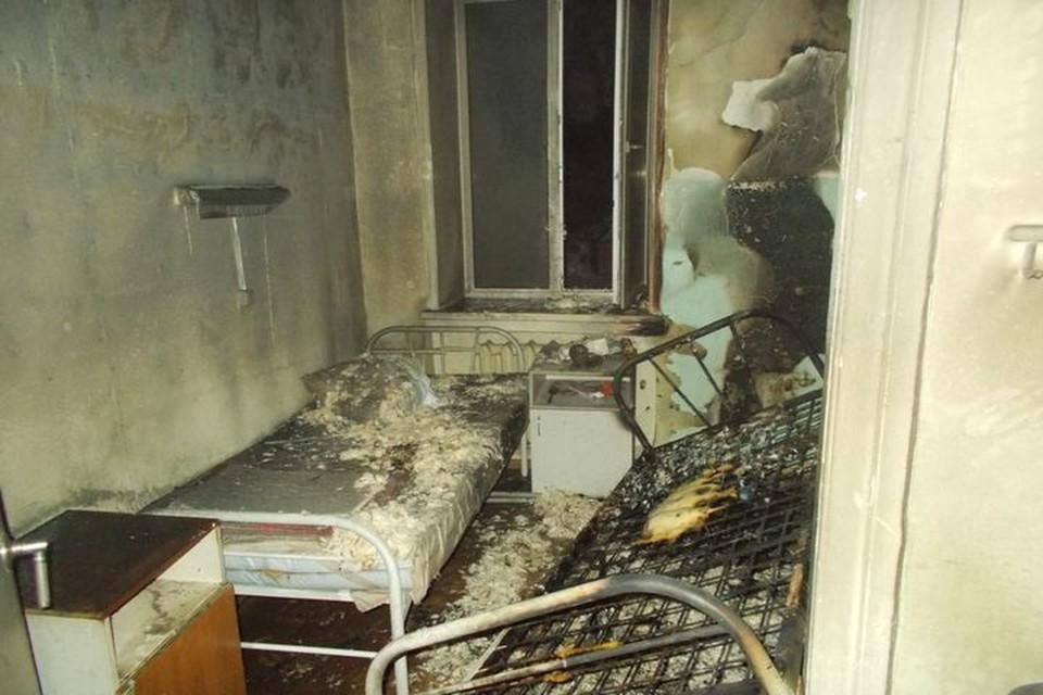 Очаг возгорания был в палате на первом этаже. Фото: МЧС по Новосибирской области