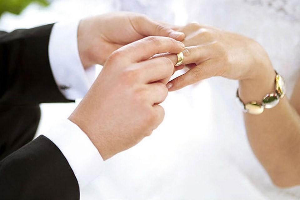 За сентябрь жители Эстонии заключили 596 браков.