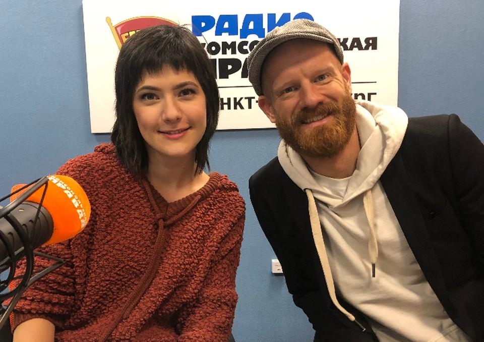Сара Нимитц и Дейв Тедески в студии радио «Комсомольская Правда в Петербурге» 92.0 FM