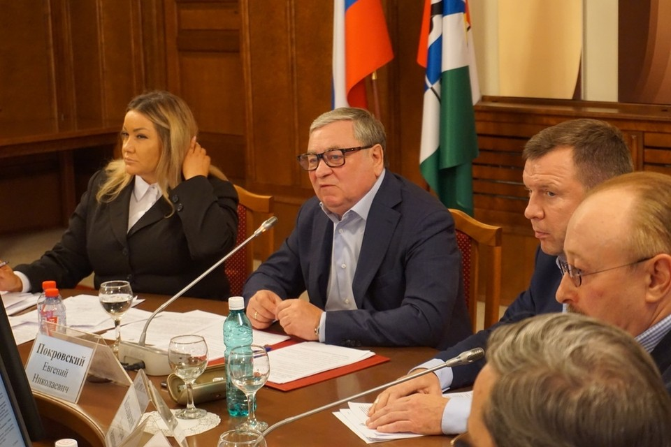 Евгений Покровский: «В масштабах области необходимо потратить больше 2 миллиардов рублей на достройку домов для обманутых дольщиков».