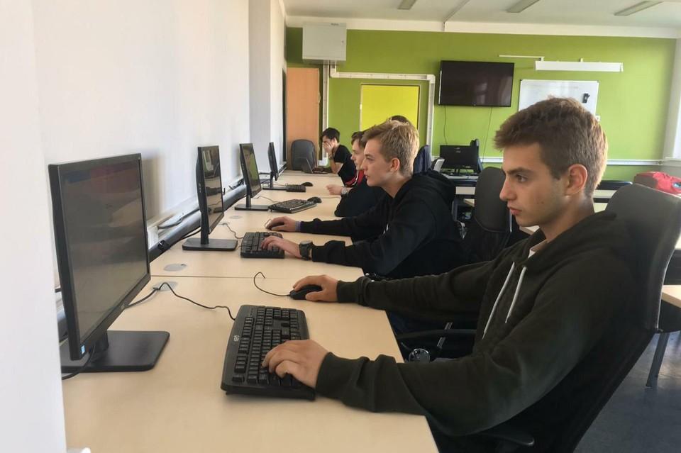 Скоро в этом классе молодежь сменит старшее поколение. Фото предоставлено колледжем информационных технологий и строительства (Калининград).