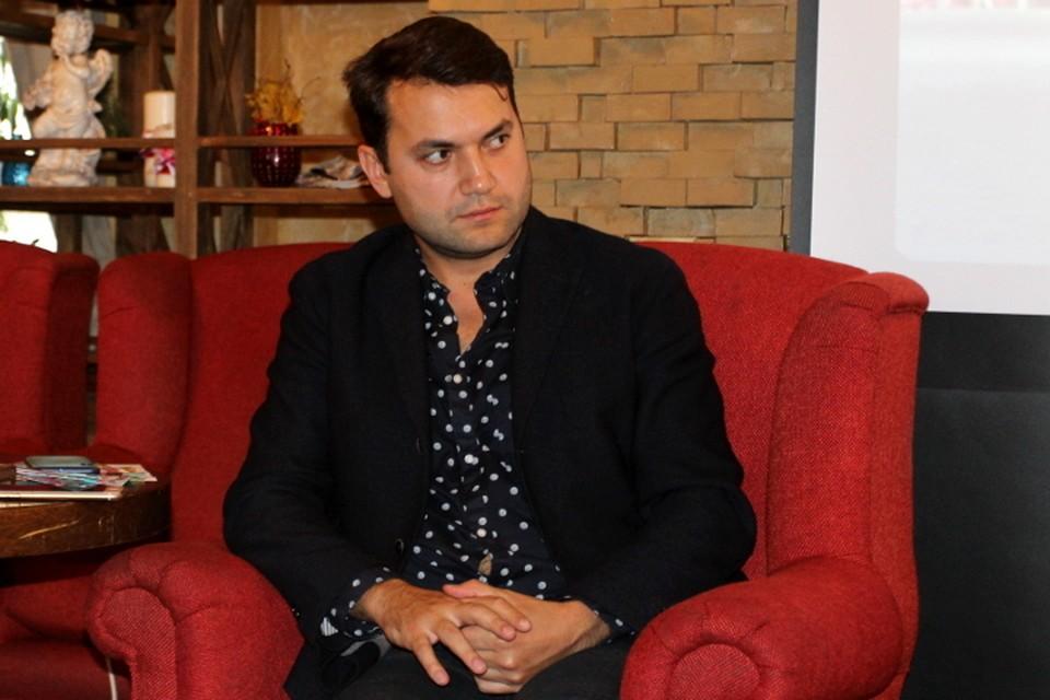 Тарас Кузьмин играет в сериале «Женский доктор» коварного, но обаятельного злодея Олега Чернова