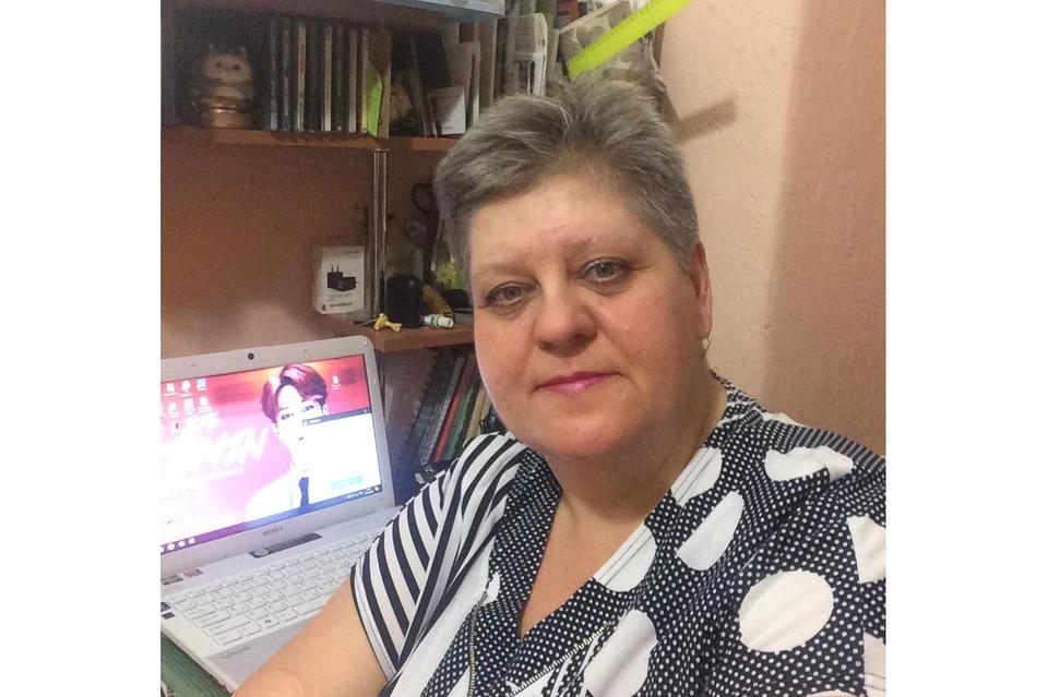 Татьняна Гаврина нашла способ совместить профессии каменщика и веб-дизайнера. Автор фото: Софья СЕВАСТЬЯНОВА