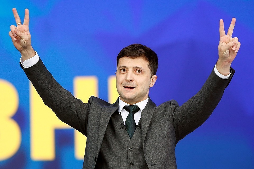 """Глава """"Азова"""" пригрозил Зеленскому вводом 10 тысяч солдат в Донбасс"""