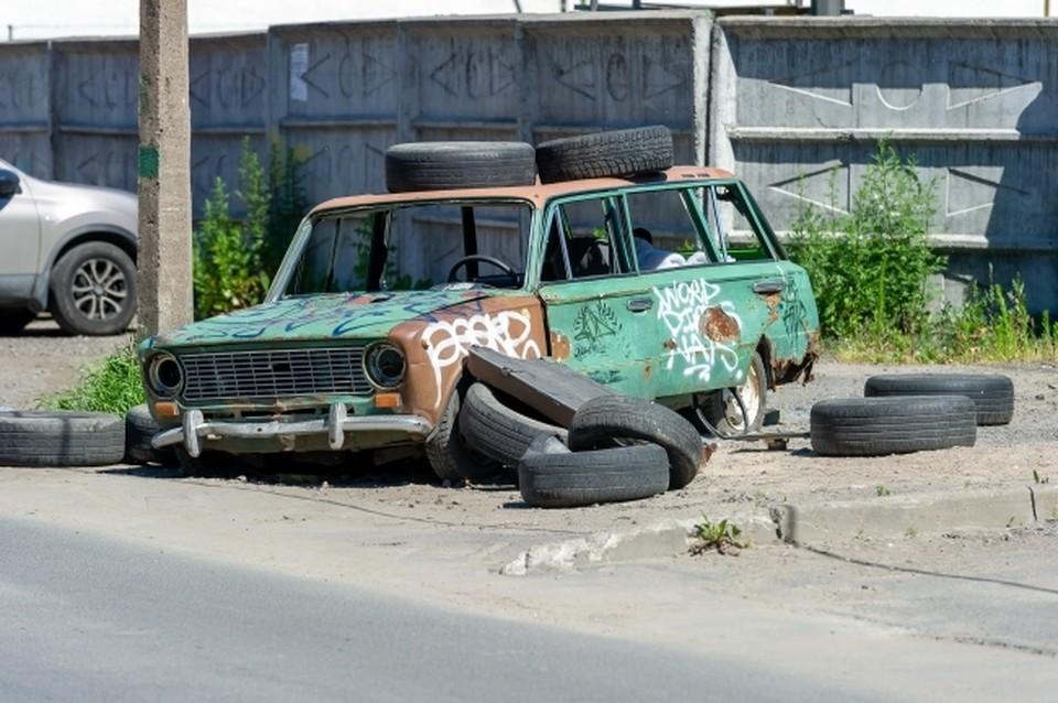 Пожаловаться на бесхозное авто в райадминистрацию может каждый волгоградец.